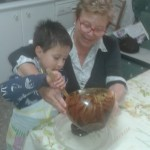 Lucas y abuela trufas  (2)